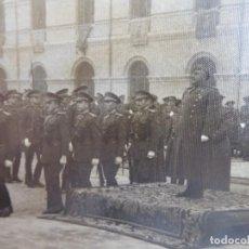 Militaria: FOTOGRAFÍA GENERAL FRANCO. JURA DE BANDERA ACADEMIA GENERAL MILITAR ZARAGOZA 1942. Lote 160414738