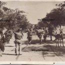 Militaria: FOTO PRENSA CARRETERA VALENCIA MILICIANOS FRENTE POPULAR DEFENSA MADRID 1936 GUERRA CIVIL. Lote 160494270