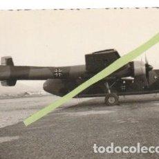 Militaria: FOTOGRAFIA AEROPUERTO DE LAS PALMAS AVION NORD ATLAS ALEMAN CUARTEL DE GANDO? -C-36. Lote 160837702