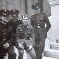 Militaria: FOTOGRAFÍA SOLDADOS ESCUELA SUPERIOR DEL EJÉRCITO. MADRID 1941. Lote 161582130