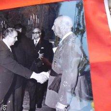 Militaria: FOTOGRAFIA ORIGINAL DE AUDIENCIA DE F. FRANCO A LOS MÉDICOS DE OTORRINOLARINGOLOGIA, 1971. Lote 163530246