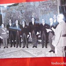 Militaria: FOTOGRAFIA ORIGINAL DE AUDIENCIA DE F. FRANCO A LOS MÉDICOS DE OTORRINOLARINGOLOGIA, 1971. Lote 163530258