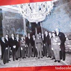 Militaria: FOTOGRAFIA ORIGINAL DE AUDIENCIA DE F. FRANCO A LOS MÉDICOS DE OTORRINOLARINGOLOGIA, 1971. Lote 163530362