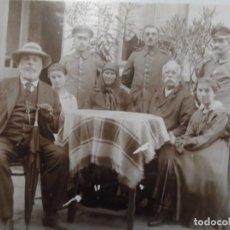 Militaria: FAMILIA CON SOLDADOS IMPERIALES ALEMANES. II REICH. AÑOS 1914-18. Lote 165400670