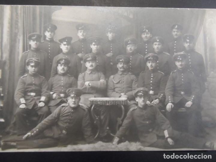 SECCION DE SOLDADOS IMPERIALES ALEMANES POSANDO EN ESTUDIO. II REICH. AÑOS 1914-18 (Militar - Fotografía Militar - I Guerra Mundial)