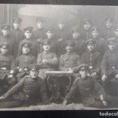 Militaria: SECCION DE SOLDADOS IMPERIALES ALEMANES POSANDO EN ESTUDIO. II REICH. AÑOS 1914-18. Lote 165401386