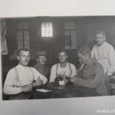 Militaria: SOLDADOS IMPERIALES ALEMANES JUGANDO AL POQUER. II REICH. AÑOS 1914-18. Lote 165402062