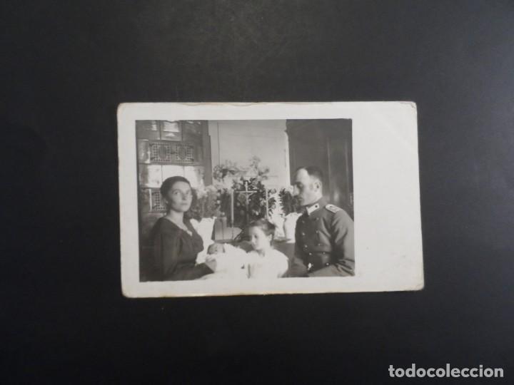 Militaria: OFICIAL IMPERIAL ALEMAN CON FAMILIA EN BAUTIZO. II REICH. AÑOS 1914-18 - Foto 2 - 165476046