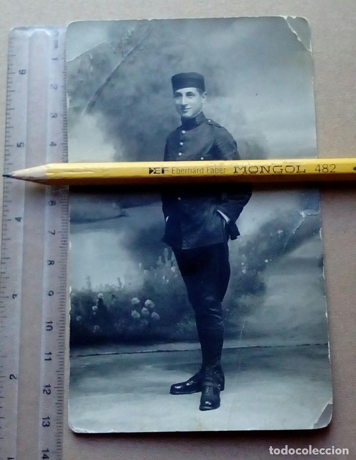 Militaria: Dos fotografías de soldados del Regimiento Zamora nº 8 (El Fiel), Lugo. Alfonso XIII. - Foto 3 - 165887266