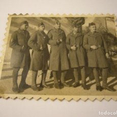 Militaria: ANTIGUA FOTO MILITAR , NAVIDAD 1941 EN TARRAGONA , 8X6,5 CM.. Lote 166094254