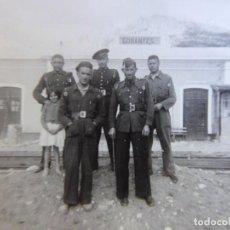Militaria: FOTOGRAFÍA GUARDIAS DE ASALTO. GOBANTES 1941. Lote 166646722