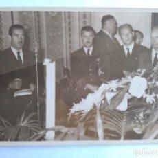 Militaria: ADOLF GALLAND, FOTO CON DISCURSO EN VELATORIO WERNER BAUMBACH. Lote 166818358
