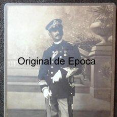Militaria: (JX-180614)FOTOGRAFÍA DE OFICIAL DE CRUZ ROJA ESPAÑOLA CON UNIFORME DE GALA , AÑOS 20-30 .. Lote 167120916