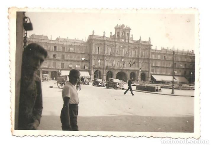 Militaria: LOTE TRES FOTOGRAFÍAS DE SALAMANCA, PLAZA MAYOR Y CATEDRAL CON DESFILE AÑO 1937 ORIGINAL ÉPOCA - Foto 4 - 167539628