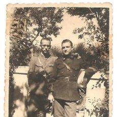 Militaria: FOTOGRAFÍA DE DOS MILITARES EN SALAMANCA FECHADA EN 1937 - ORIGINAL DE LA ÉPOCA. Lote 167540472
