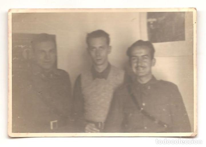FOTOGRAFÍA DE TRES MILITARES EN SALAMANCA FECHADA EN 1937 - ORIGINAL DE LA ÉPOCA (Militar - Fotografía Militar - Guerra Civil Española)