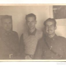 Militaria: FOTOGRAFÍA DE TRES MILITARES EN SALAMANCA FECHADA EN 1937 - ORIGINAL DE LA ÉPOCA. Lote 167540604