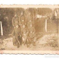 Militaria: FOTOGRAFÍA DE UN GRUPO DE MILITARES BANDO NACIONAL AL INICIA GUERRA CIVIL - ORIGINAL DE LA ÉPOCA. Lote 167541896