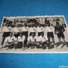 Militaria: FOTO DE 7 X 4'5 CM, CAMPEÓN TERCERA REGIÓN, REGIMIENTO DE INFANTERÍA NÚMERO 11, 1944. Lote 168105228