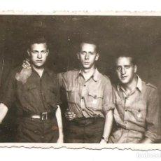 Militaria: TRES OFICIALES DEL BANDO NACIONAL EN BURGOS AÑO 1938 - ORIGINAL ÉPOCA. Lote 168473228