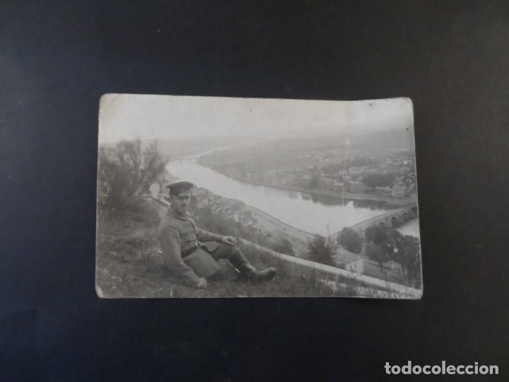 Militaria: SOLDADO IMPERIAL ALEMAN MIRANDO UNA CIUDAD DESDE LA FORTALEZA. II REICH. AÑOS 1914-18 - Foto 2 - 169208932