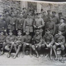 Militaria: SCHUTZENZUG DE SOLDADOS IMPERIALES ALEMANES JUNTO A FORTALEZA. II REICH. AÑOS 1914-18. Lote 169209388