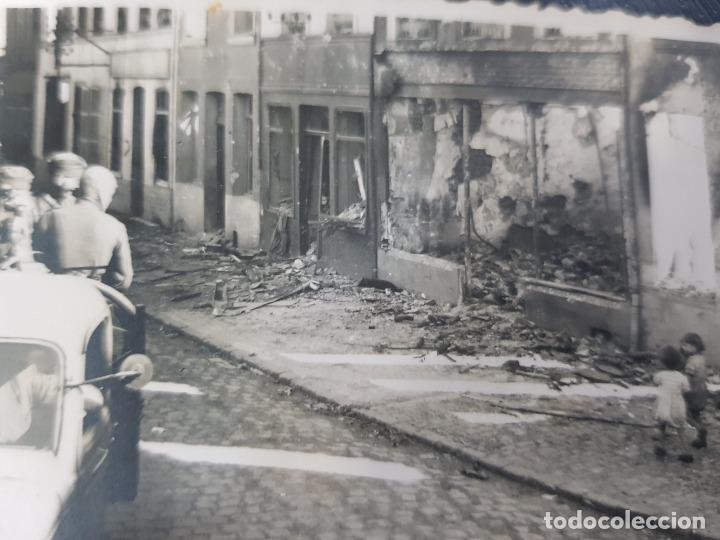 FOTO ORIGINAL TROPAS ALEMANAS ENTRANDO EN CIUDAD II GUERRA MUNDIAL (Militar - Fotografía Militar - II Guerra Mundial)