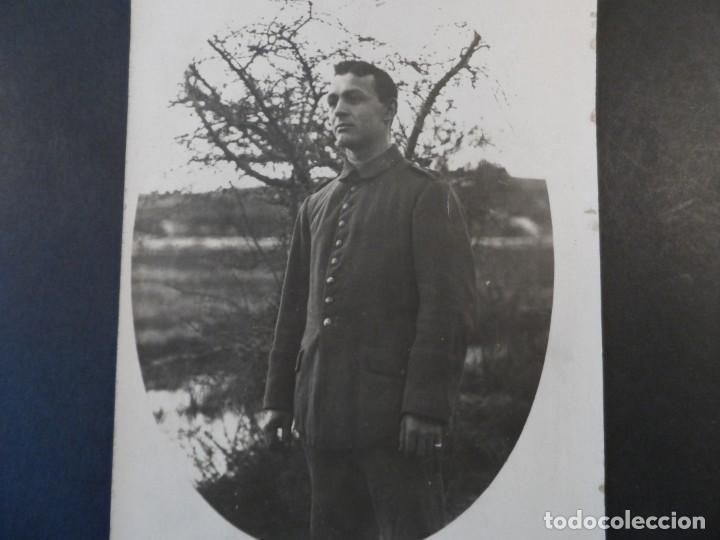 SOLDADO IMPERIAL ALEMAN CASADO CERCA DE UN RIO. II REICH. AÑOS 1914-18 (Militar - Fotografía Militar - I Guerra Mundial)