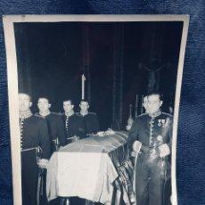 Militaria: FOTOGRAFÍA ANTIGUA FUNERAL DE JOSÉ GALLOSTRA MINISTRO MEDIADOS S XX. Lote 169618620