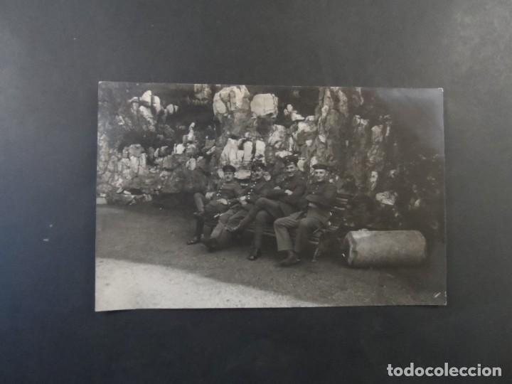 Militaria: SOLDADOS IMPERIALES ALEMANES EN UN BANCO JUNTO A ROCAS. II REICH. AÑOS 1914-18 - Foto 2 - 170096528