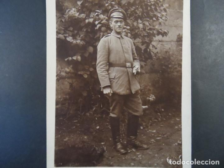 SOLDADO IMPERIAL ALEMAN CON PURO Y PASADOR CRUZ DE HIERRO. II REICH. AÑOS 1914-18 (Militar - Fotografía Militar - I Guerra Mundial)
