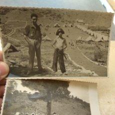 Militaria: PAREJA DE FOTOGRAFÍAS FRENTE JUVENTUDES - CAMPAMENTO JAIME I - SERRA - AÑOS 40 -. Lote 170186856