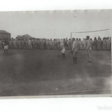 Militaria: CAMPAÑA DEL RIF.- CAZADORES DE TARIFA, JUGANDO AL FOOTBALL 1912 - MEDIDAS 17,5X12 CM. Lote 170428688