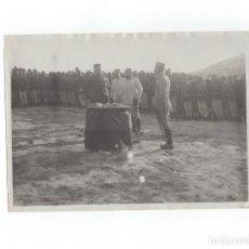 Militaria: CAMPAÑA DEL RIF.- CORONEL JARAMILLO, TENIENTE CORONEL Y COMANDANTE, FOTO DESCRITA POR DETRÁS 18X11,5. Lote 170428856