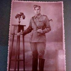 Militaria: FOTOGRAFIA DE UN SOLDADO CABALLERIA. Lote 171025885