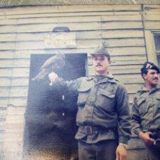 Militaria: FOTOGRAFÍA MILITAR BRIPAC AÑOS 80 CON AGUILA. Lote 171248923
