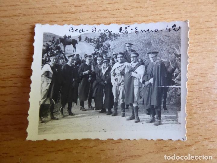 Militaria: Fotografía oficiales Regulares. Bed Dora 1942 - Foto 2 - 171603464