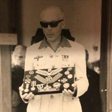 Militaria: FOTOGRAFÍA DE PRENSA FUNERAL OTTO SKORZENY EN ESPAÑA 1975, HITLER TERCER III REICH NAZI LUFTWAFFE. Lote 172341650
