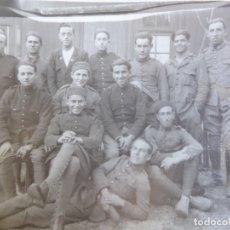 Militaria: FOTOGRAFÍA SOLDADOS DEL EJÉRCITO ESPAÑOL. CEUTA 1927. Lote 172956780