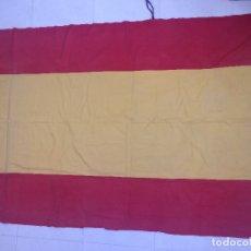 Militaria: ANTIGUA BANDERA DE ESPAÑA BALCONERA GUERRA CIVIL AÑOS 40. Lote 203077155