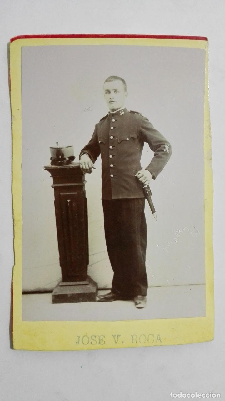 ANTIGUA FOTOGRAFIA, JOVEN MILITAR POSANDO, ESTUDIO JOSE V. ROCA, AÑOS 20 (Militar - Fotografía Militar - I Guerra Mundial)