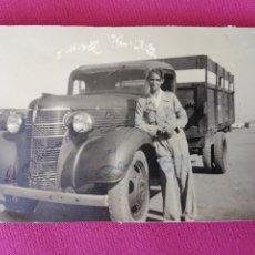Militaria: CEUTA FOTO MILITAR 1939 GUERRA CIVIL ESPAÑOLA - LLANO DE LAS DAMAS - CAMIÓN ÉPOCA - PEGADA EN ÁLBUM. Lote 173896083