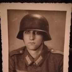 Militaria: FOTOGRAFIA ORIGINAL SOLDADO DIVISION AZUL. RIGA, AÑO 1942. Lote 174173067
