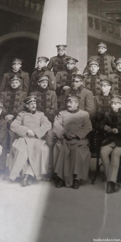 Militaria: Antigua foto de la Academia de Infantería curso 1915 a 1916 - Foto 2 - 174468528