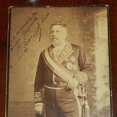 Militaria: FOTOGRAFIA ALBUMINA DE GENTILHOMBRE, CON UNIFORME DE GALA, FECHADA EN 1895 Y DEDICADA CON LA FIRMA D. Lote 175588122