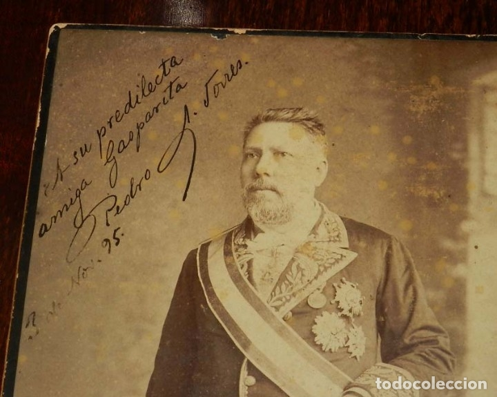 Militaria: FOTOGRAFIA ALBUMINA DE GENTILHOMBRE, CON UNIFORME DE GALA, FECHADA EN 1895 Y DEDICADA CON LA FIRMA D - Foto 4 - 175588122