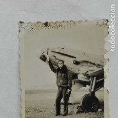 Militaria: GUERRA CIVIL - AVIACION : FOTO TENIENTE PROVISIONAL PILOTO Y AVION. Lote 175612425