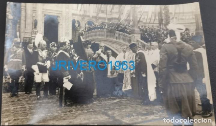 SEVILLA,1922,LA REINA VICTORIA ACTOS ENTREGA BANDERA A LOS REGULARES DE LARACHE,HISTORICA (Militar - Fotografía Militar - Otros)