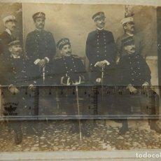 Militaria: FOTOGRAFÍA. GRUPO UNIFORMADO. POSIBLEMENTE DEL CUERPO DE PRISIONES.. Lote 175925050