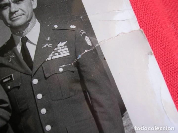 Militaria: EXCEPCIONAL FOTOGRAFIA AMERICANA DE GRAN TAMAÑO DE VISITA DE MILITARES ESPAÑOLES. - Foto 8 - 176084637